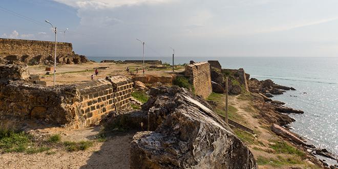 Ruinas del castillo de Araya, en la península del mismo nombre