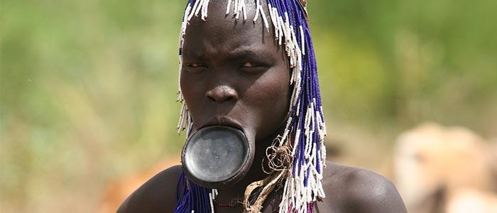 tribu mursi mujeres