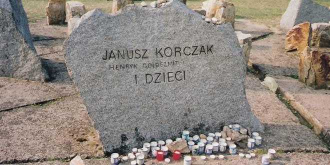 Piedra conmemorativa en Treblinka