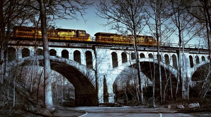 El trágico puente embrujado de Avon, Indiana