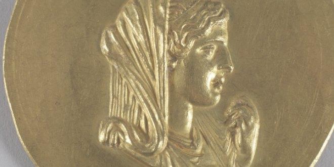Medallón Romano con la imagen Olimpia