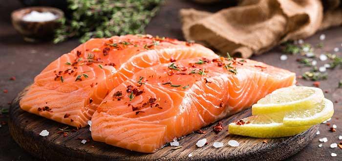 alimentos anticancerígenos. salmón