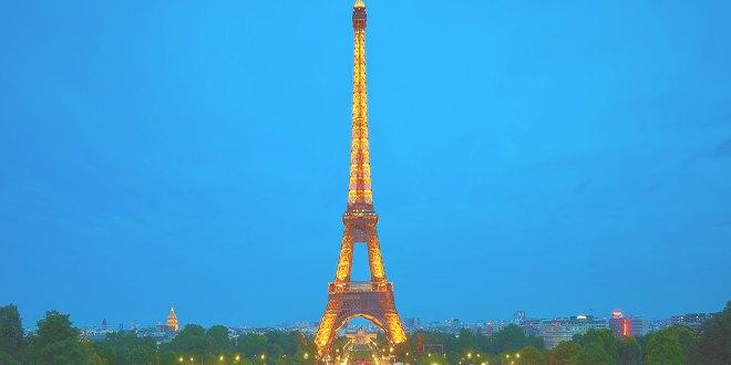 Paris es conocida como la ciudad del amor [PUNIQRANDLINE-(au-dating-names.txt) 40