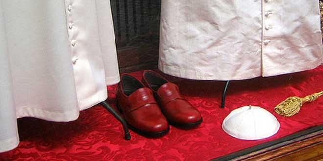 de tras el filtración que fueran una los falsa desmentir En zapatos Vaticano Prada tuvo 2008 que FH6Xcw