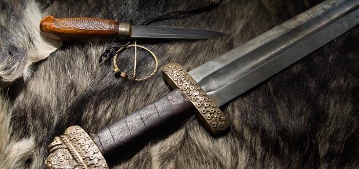 águila de sangre, armas vikingas