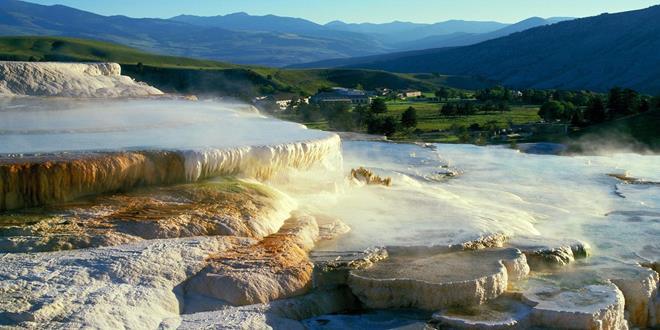 Minerva_Terrace_Mammoth_Hot_Springs_Yellowstone_National_Park (Copy)