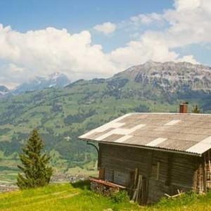 Una casita en el campo, ¡es adorable!