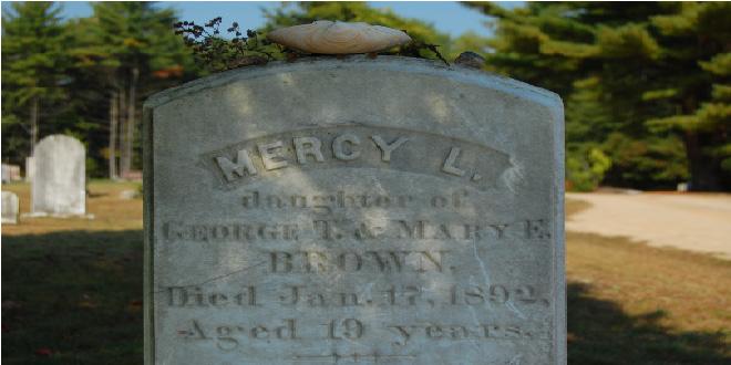 Lápida de Mercy Brown