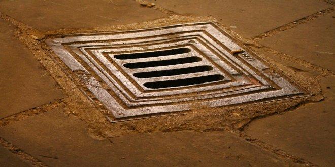 manhole-199548_1920