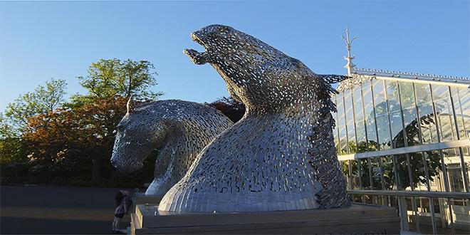Kelpies. Estructuras gigantes en Glasgow, Escocia