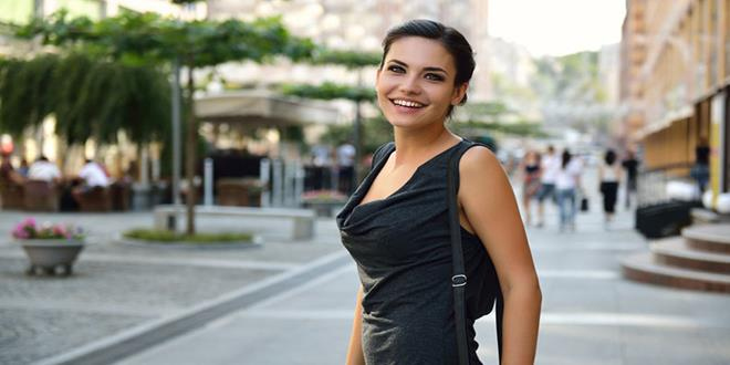 mujer sonriendo (Copy)