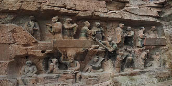 Relieve. Escena de tortura de los borrachos y de todos los vendedores de vino, en la cueva Dazu, en China.