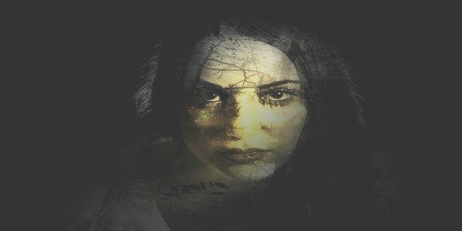 Mujer fantasma paranormal