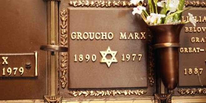 tumba grouxo marx