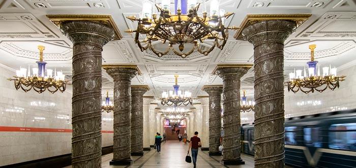 curiosidades de Rusia, Metro de San Petersburgo