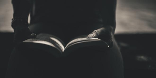persona-leyendo