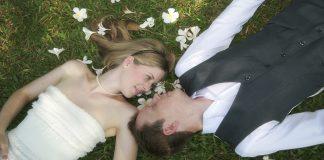 ¿Por qué tenemos luna de miel cuando nos casamos?