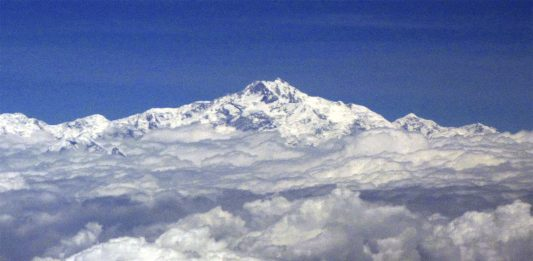 5 IMPACTANTES datos sobre el Monte Everest que debes conocer