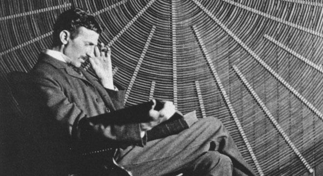 ¿Habías leído antes una entrevista a Tesla? Conoce al genio