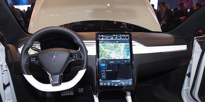 Un coche Tesla lleva al hospital a su dueño tras sufrir una embolia