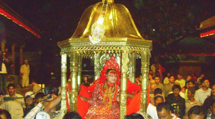 Kumari: las solitarias niñas diosas de Nepal