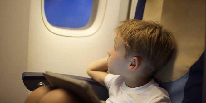 ¿Por que las ventanillas del avión tienen un agujero?