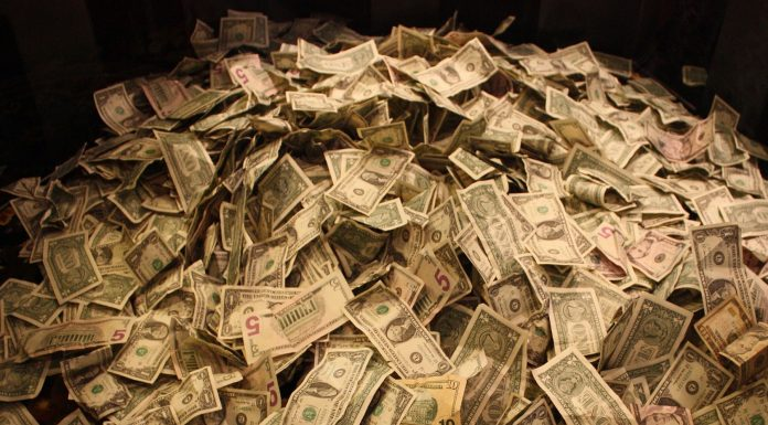 Top 10: Millonarios más caritativos del mundo