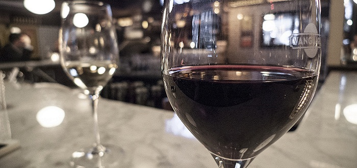 6-beneficios-que-trae-tomar-vino-tinto
