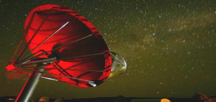 Stephen Hawking alerta sobre comunicarnos con alienígenas