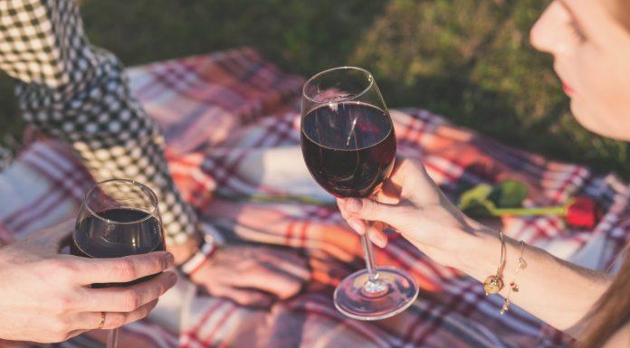 6 beneficios que aporta beber vino tinto - Supercurioso