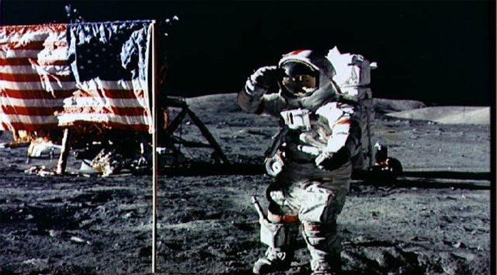 Muere el último astronauta que caminó sobre la Luna