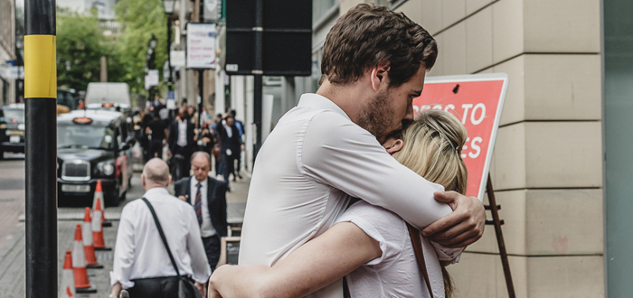 7 beneficios de abrazar