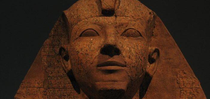 Hatshepsut, la faraona que quisieron borrar de la historia