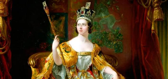 Reina Victoria coronada