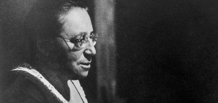 que hizo Emmy Noether