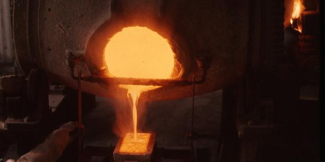 ejecución con oro fundido como Viserys Targaryen