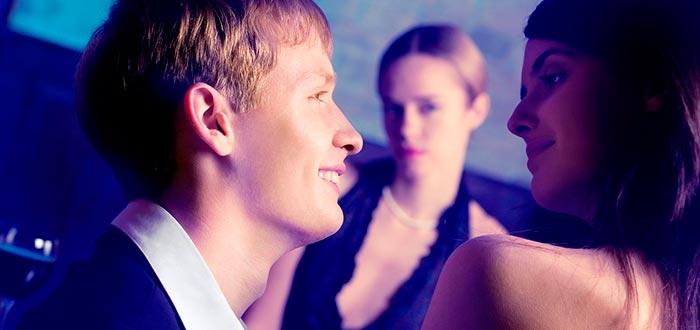 pareja, dar celos, bar