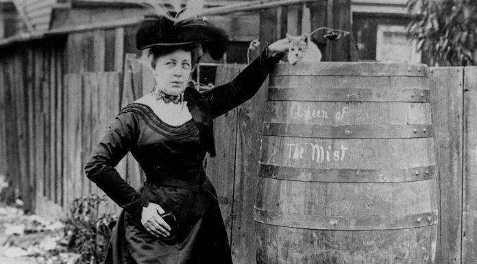Annie Taylor, la sexagenaria que saltó las cataratas del Niágara ¡Y sobrevivió!