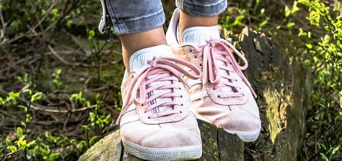 ¿Por qué se desatan los cordones de tus zapatos?