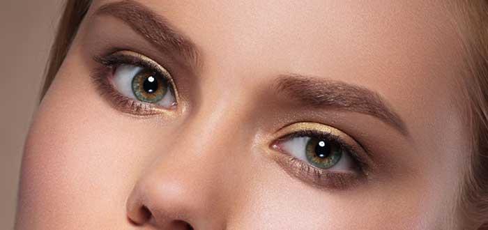Cambiar de color de ojos, ojos miel, ojos pardos, maquillaje
