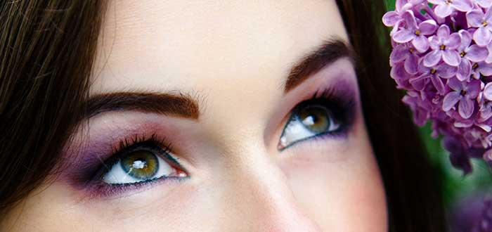 Cambiar de color de ojos, ojos verdes, maquillaje