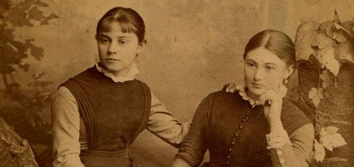menstruación en el pasado, tela mujeres siglo XIX
