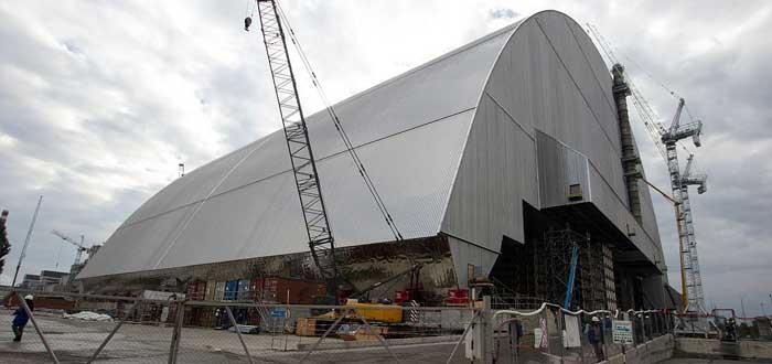 El Sarcófago de Chernóbil en contrucción desde otra perspectiva, por Tim Porter