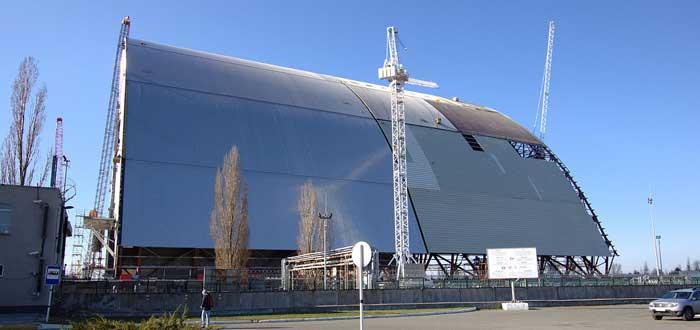 El nuevo sarcófago de Chernóbil en construcción, por Tim Porter