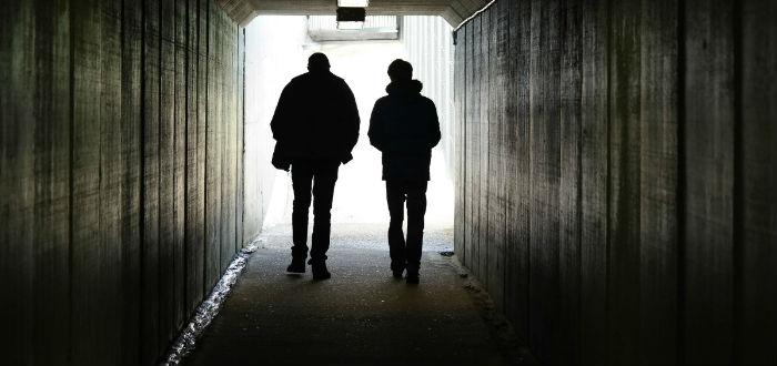 dos hombres, silueta, sobre los gemelos