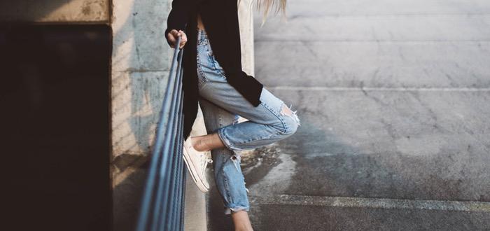usar zapatos planos, mujer