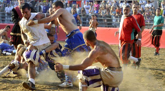 El violento deporte florentino que inspiró el fútbol moderno