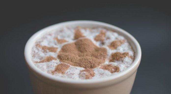 Descubre los beneficios que le trae a tu cerebro consumir café y chocolate juntos
