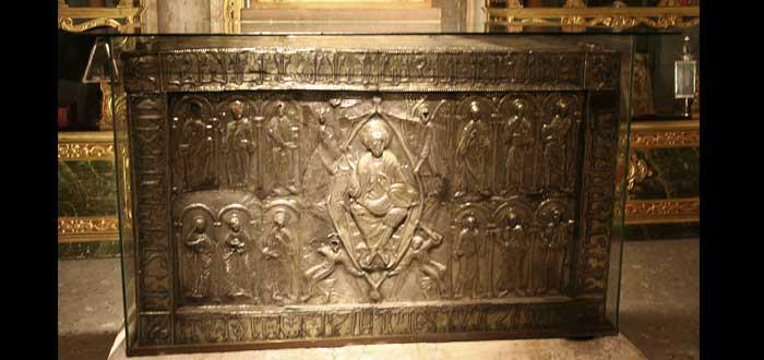 La Sábana Santa de Turín y el Pañolón de Oviedo