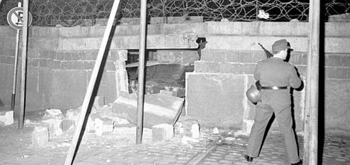 El muro de Berlín y las formas en que lo sorteaban